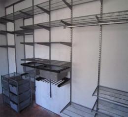 Сетчатая гардеробная система на 4 кв м для спальни