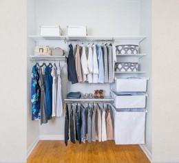 Встроенная гардеробная система в нише