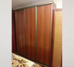 Деревянные двери купе