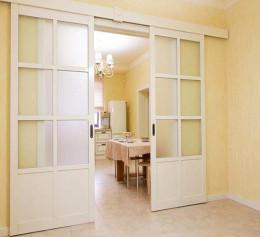 Раздвижная межкомнатная дверь купе белая