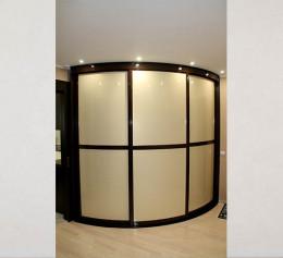 Радиусная дверь для шкафов шириной 3 метра