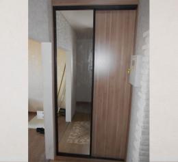 Двери купе с зеркалом для гардеробной