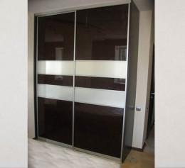 Заказные раздвижные двери купе зеркальные