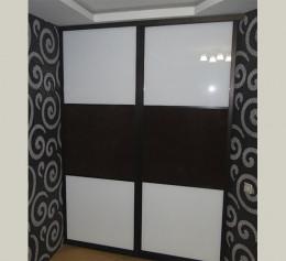 Глянцевый шкафы купе черно белый