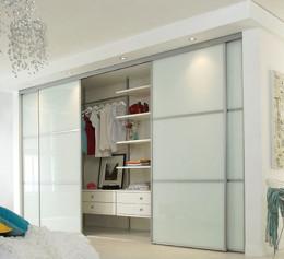 Белые гардеробные шкафы