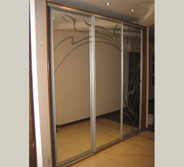 Шкаф купе 3 дверный с зеркалом