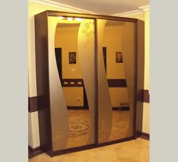 Угловой шкаф купе в коридор с пескоструем