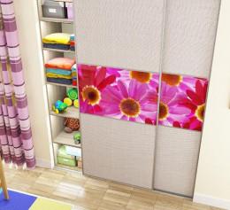 Шкаф купе в детскую комнату с вешалкой