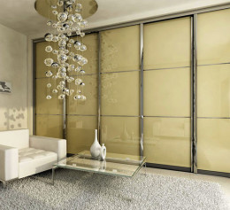 Шкаф купе в гостиную со стеклом