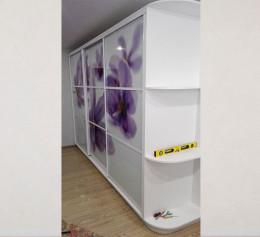 Угловой шкаф купе в спальню с фотопечатью