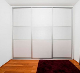 Встроенный шкаф купе белый