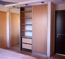 Встроенный шкаф купе в спальню в хрущевке