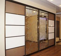 4 створчатый шкаф купе с зеркалом