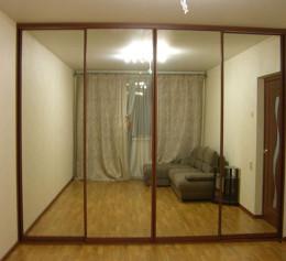 Шкаф купе четырехдверный с зеркалом