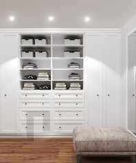 Встроенные распашные шкафы в спальню
