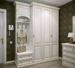 Белый шкаф в прихожую в классическом