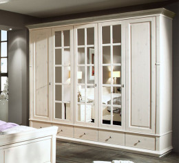 Белый шкаф массив