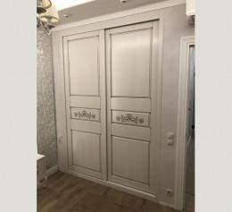 Шкаф двухдверный массив