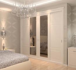 Классические белые шкафы в спальню