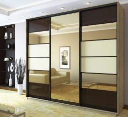 Шкаф коричневый
