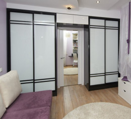 Спальня с двумя шкафами