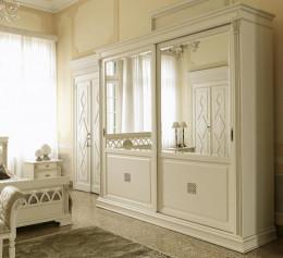 Белая стенка в гостиную с шкафом