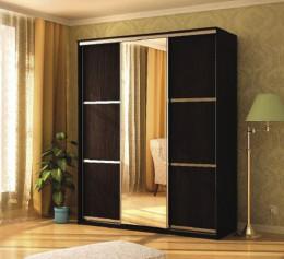 Шкаф для одежды трехстворчатый с зеркалом