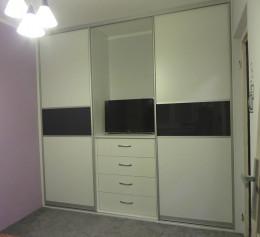 Шкаф под телевизор с полками и ящиками