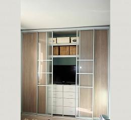 Шкафы со стеклянными дверцами на заказ