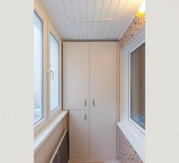 Шкаф распашной на балкон